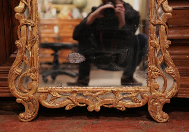 18th Century French Louis XV Carved Giltwood Mirror from Provence 5