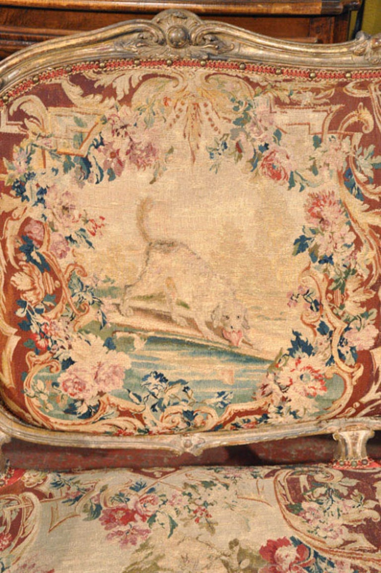Hand-Painted 18th Century French Louis XV Carved Giltwood Canapé with Aubusson Tapestry For Sale