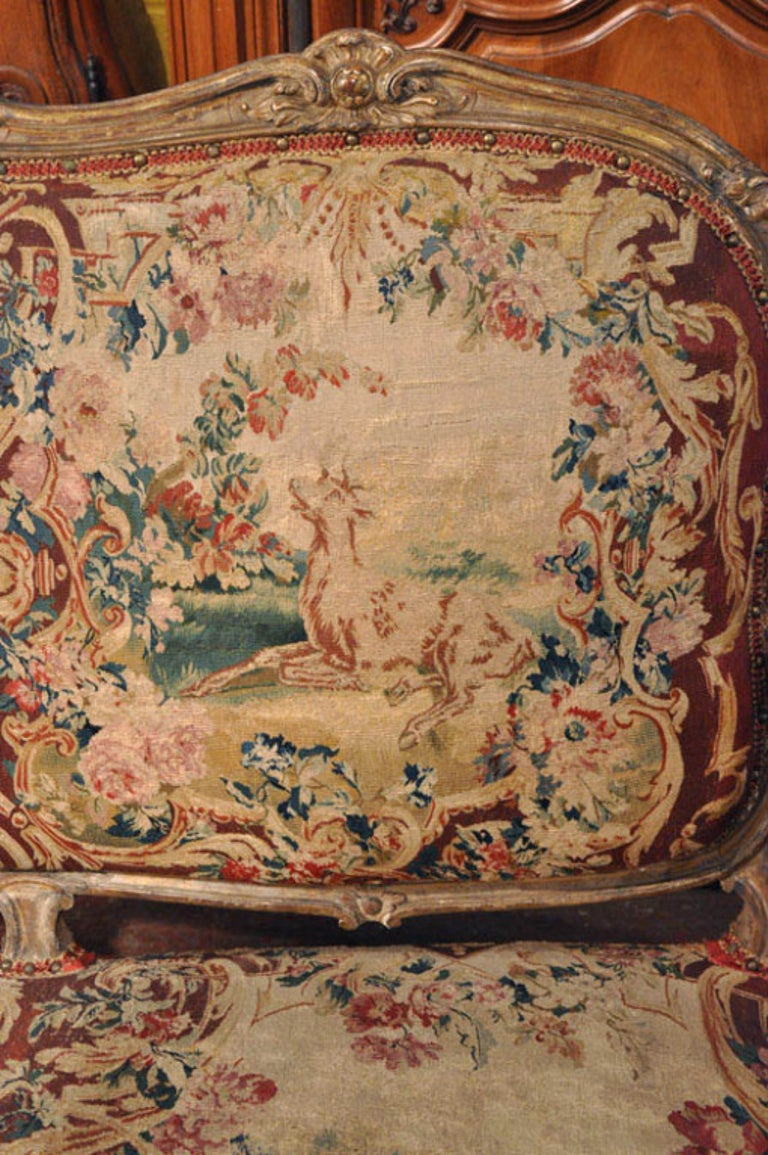 18th Century French Louis XV Carved Giltwood Canapé with Aubusson Tapestry For Sale 1