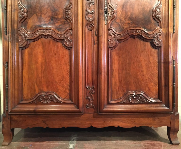 18th Century French Louis XV Carved Walnut Armoire from Lyon For Sale 1