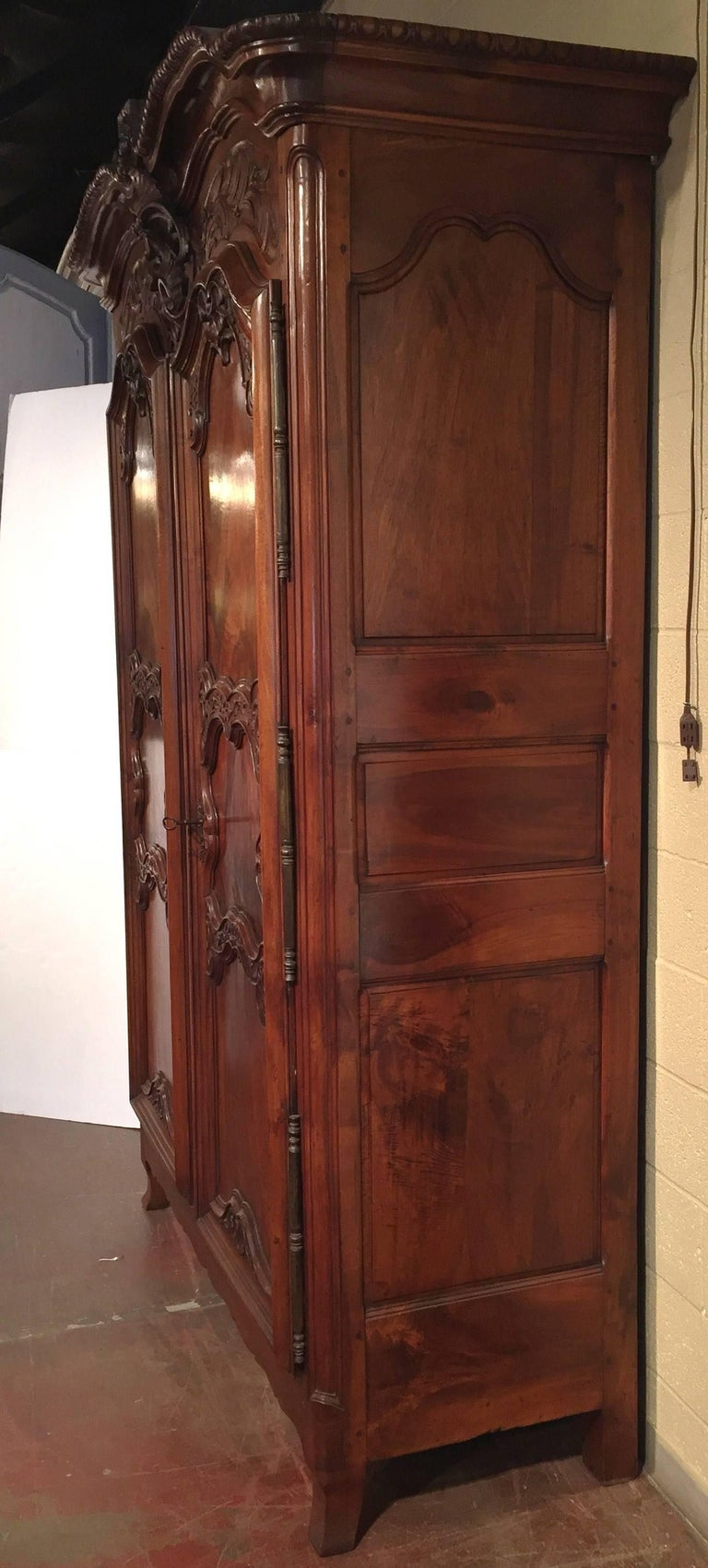 18th Century French Louis XV Carved Walnut Armoire from Lyon For Sale 4