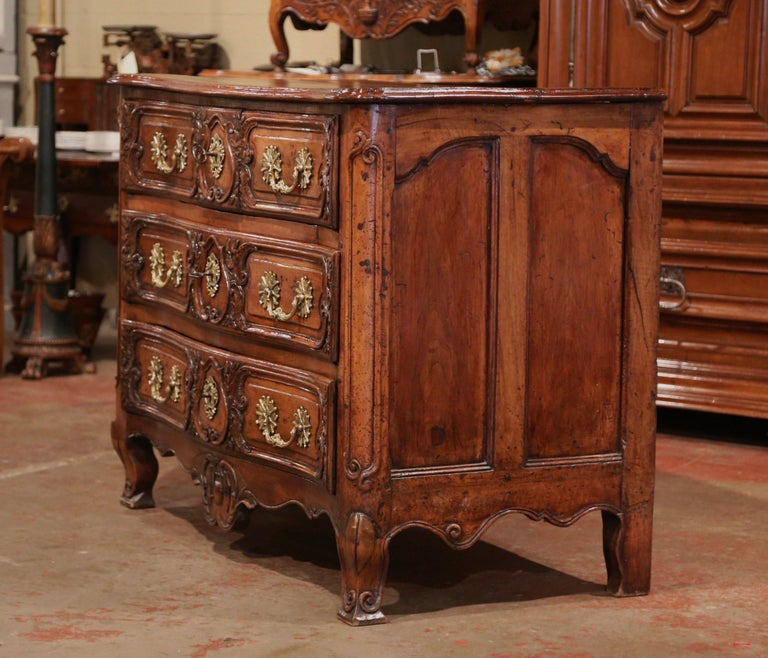18th Century French Louis XV Carved Walnut Bombe Chest of Drawers from Lyon 6