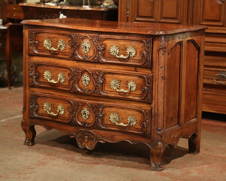 18th Century French Louis XV Carved Walnut Bombe Chest of Drawers from Lyon In Excellent Condition In Dallas, TX
