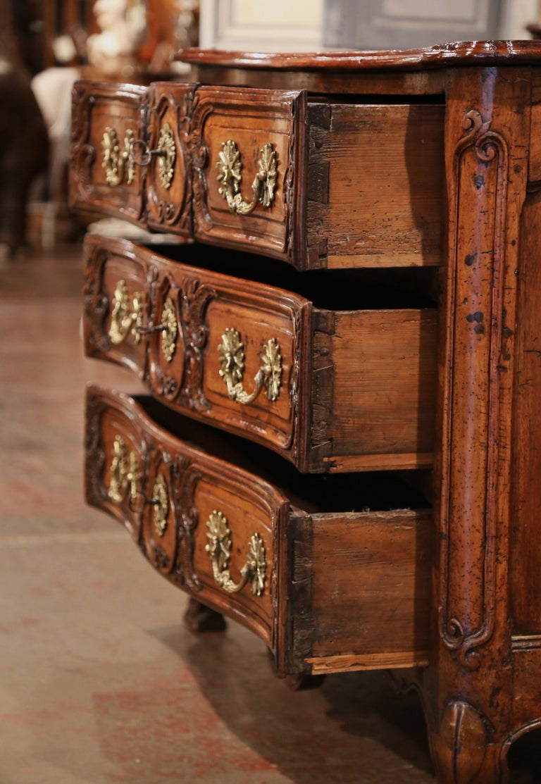 18th Century French Louis XV Carved Walnut Bombe Chest of Drawers from Lyon 3