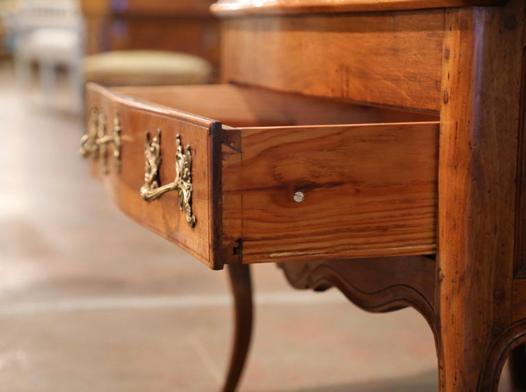 18th Century French Louis XV Walnut Desk Secretary from Provence For Sale 8