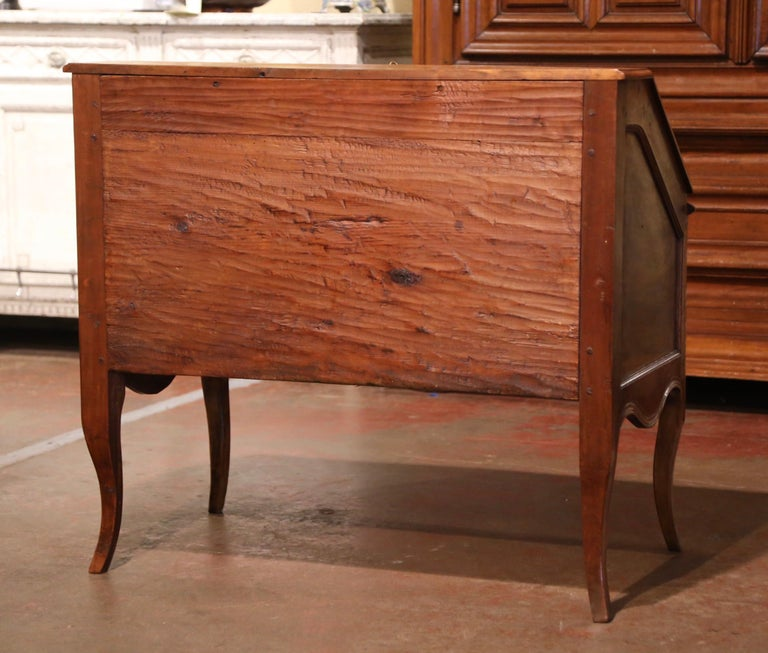 18th Century French Louis XV Walnut Desk Secretary from Provence For Sale 11