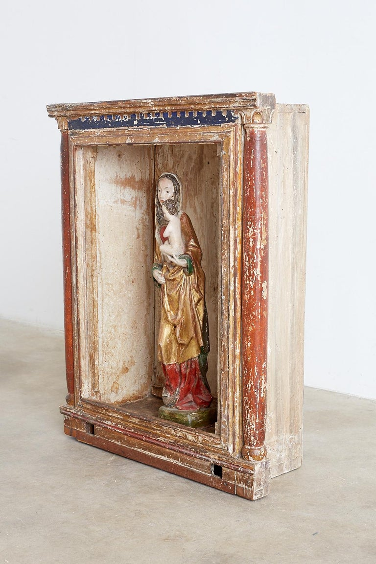 18th Century French Niche or Shrine Display Cabinet For Sale 5