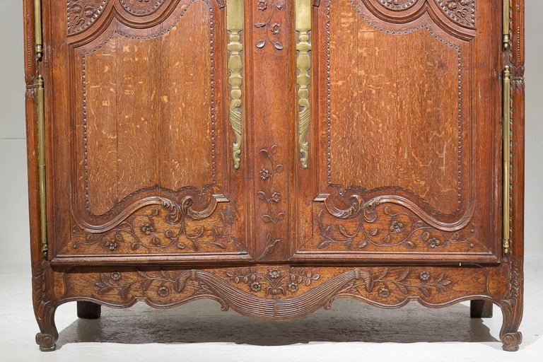 18th Century French Oak Armoire For Sale 8