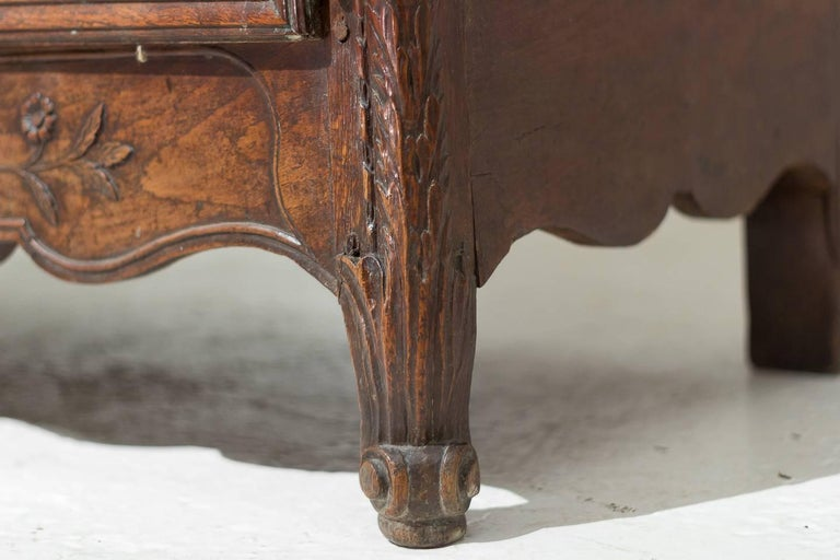 18th Century French Oak Armoire For Sale 10
