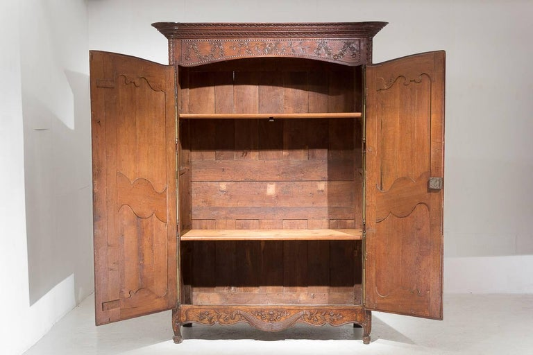 18th Century French Oak Armoire In Good Condition For Sale In Husbands Bosworth, Leicestershire