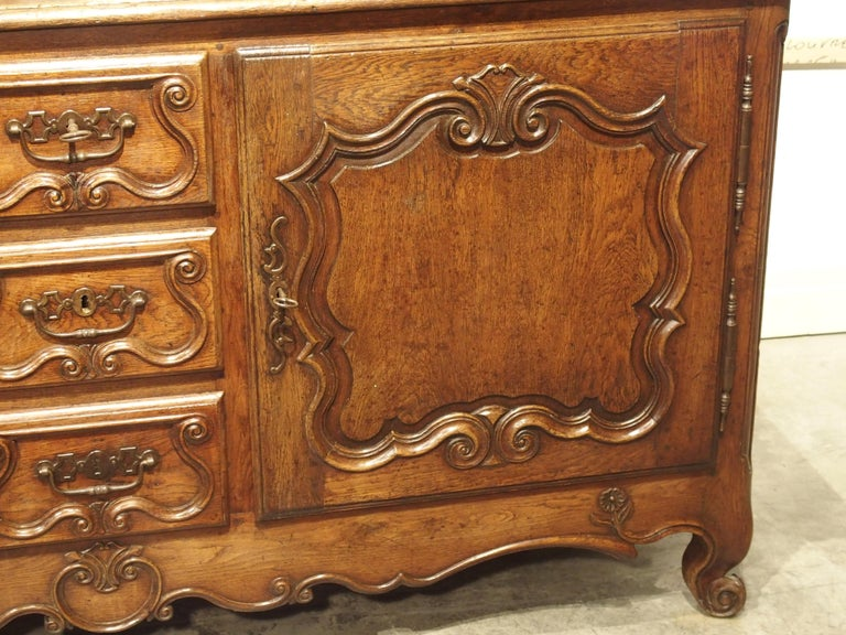 18th Century French Oak Buffet with Center Drawers from Lorraine For Sale 5