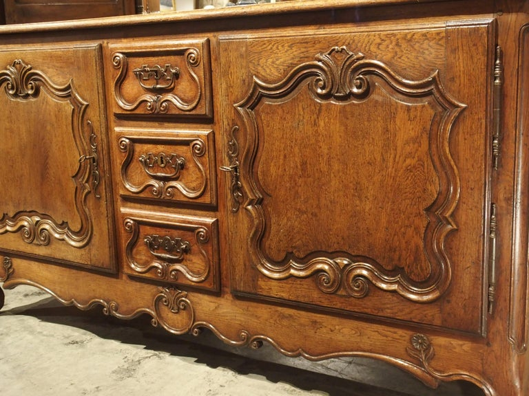 18th Century French Oak Buffet with Center Drawers from Lorraine For Sale 8