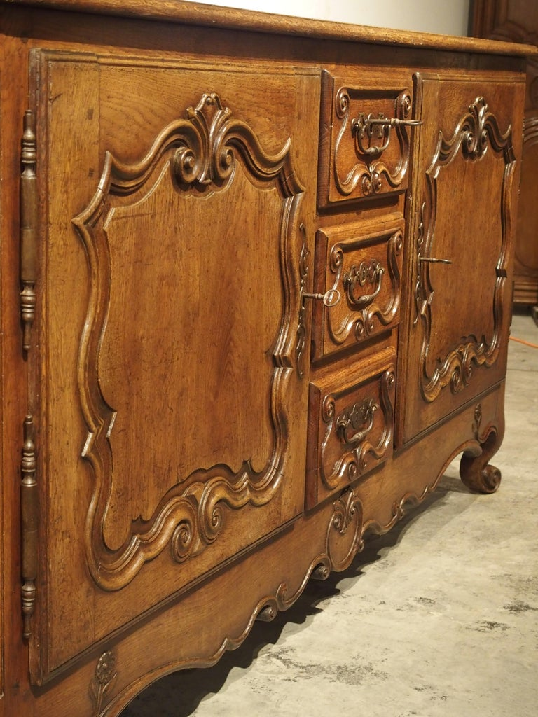 18th Century and Earlier 18th Century French Oak Buffet with Center Drawers from Lorraine For Sale