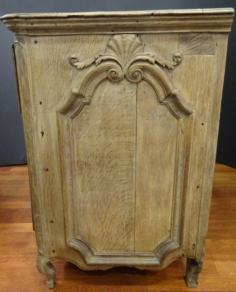 18th FrenchProvencal  Chest of Drawers Oak Carved Wood and Brass , 1790 For Sale 4