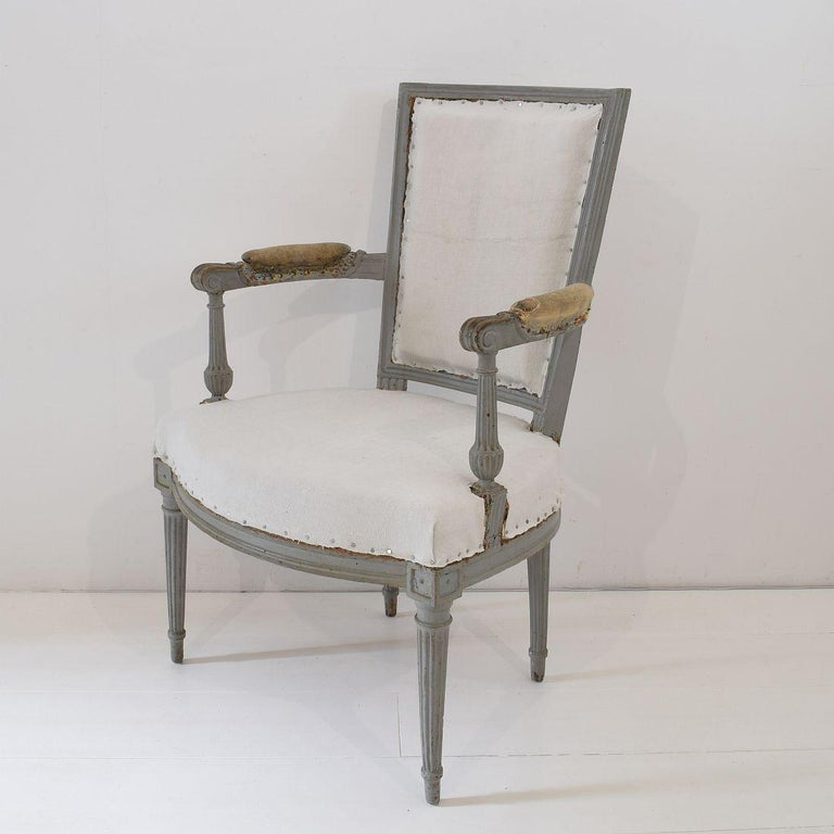 18th Century French Pair of Directoire Chairs For Sale 10