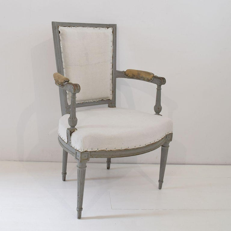 18th Century French Pair of Directoire Chairs For Sale 11
