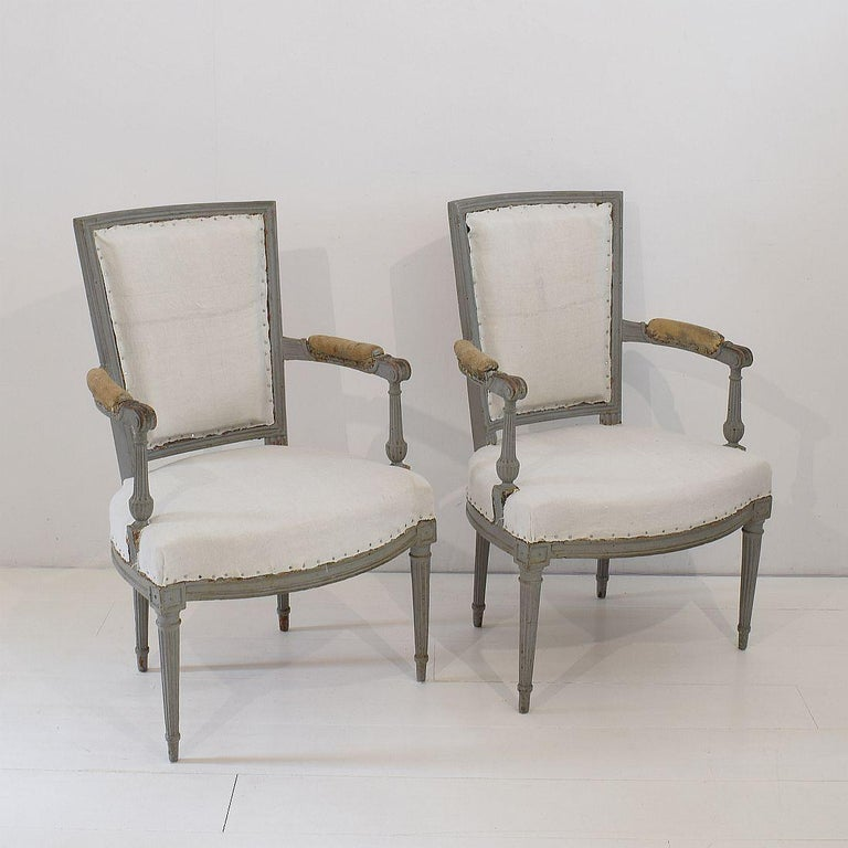 18th Century French Pair of Directoire Chairs In Fair Condition For Sale In Amsterdam, NL