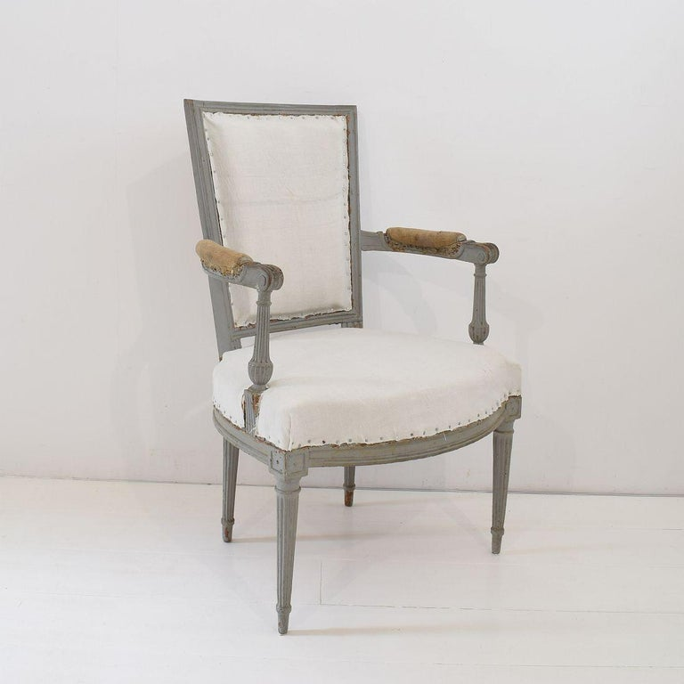 18th Century French Pair of Directoire Chairs For Sale 2