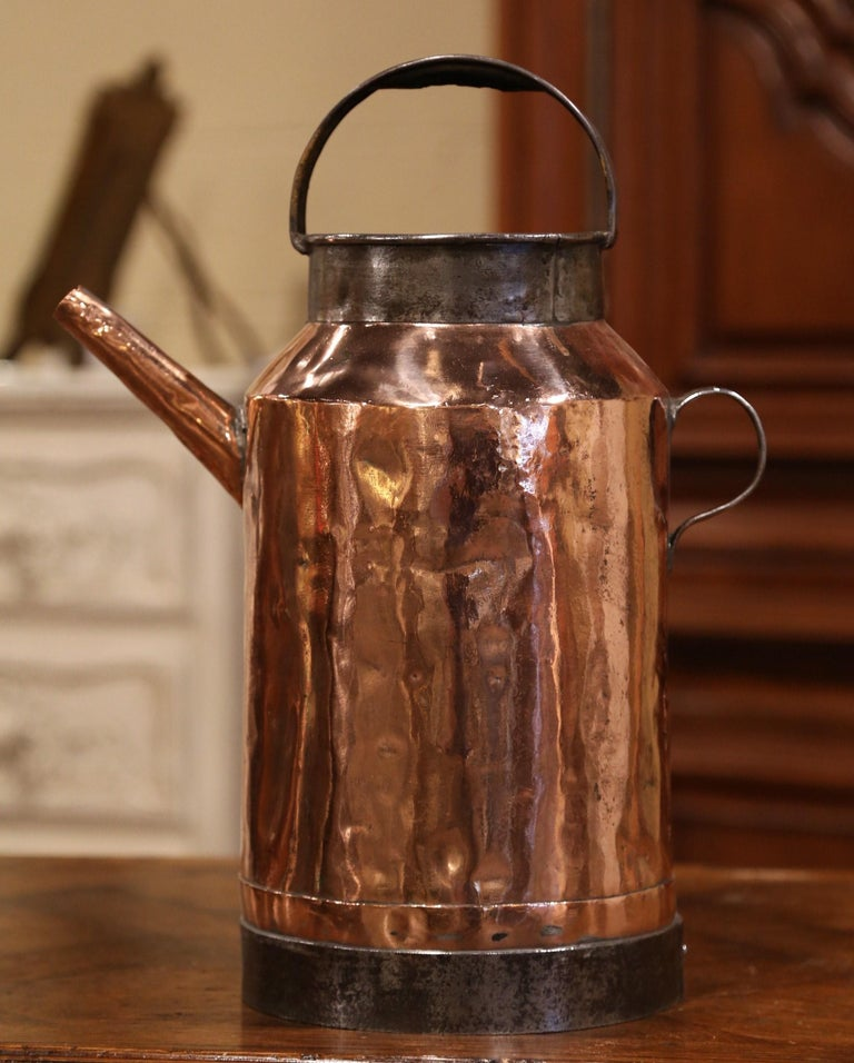 18th Century French Polished Copper and Iron Watering Can In Excellent Condition For Sale In Dallas, TX