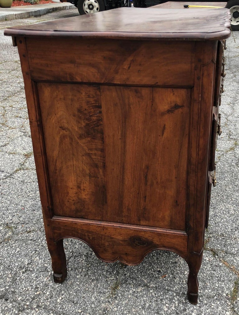 18th Century and Earlier 18th Century French Provincial Walnut Commode For Sale