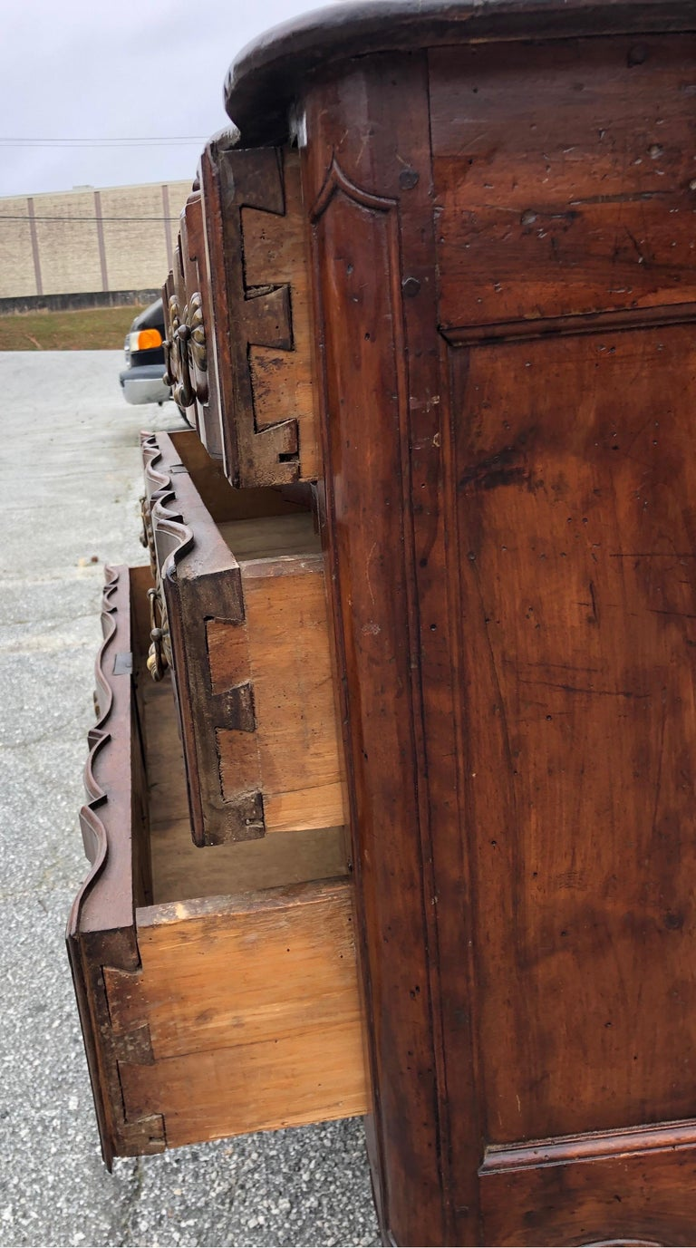 18th Century French Provincial Walnut Commode For Sale 4