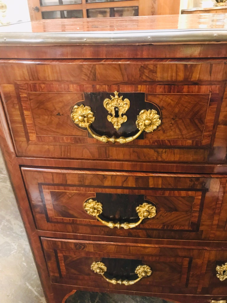 Regency 18th Century French Regence Inlaid Walnut Commode For Sale