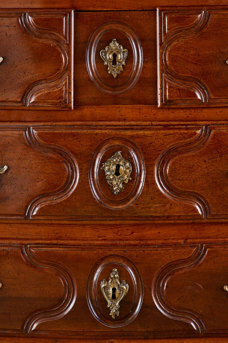 18th Century French Regence Walnut Commode or Chest For Sale 6