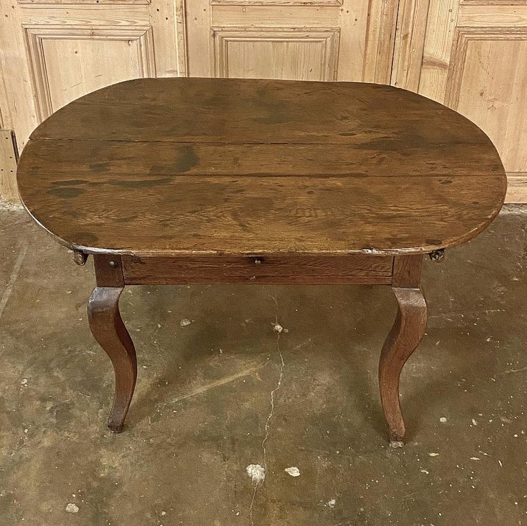 18th Century French Rustic Writing Table For Sale 2