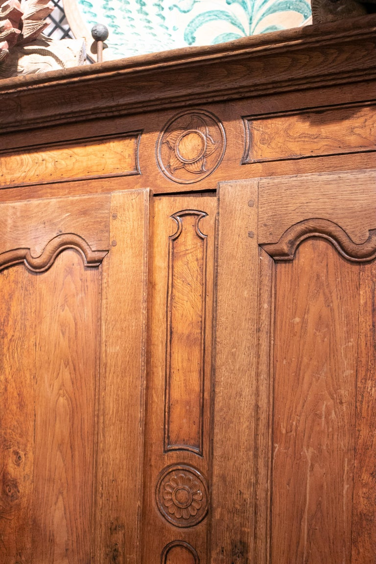 18th Century French Two Door Oak Panelled Wardrobe For Sale 5