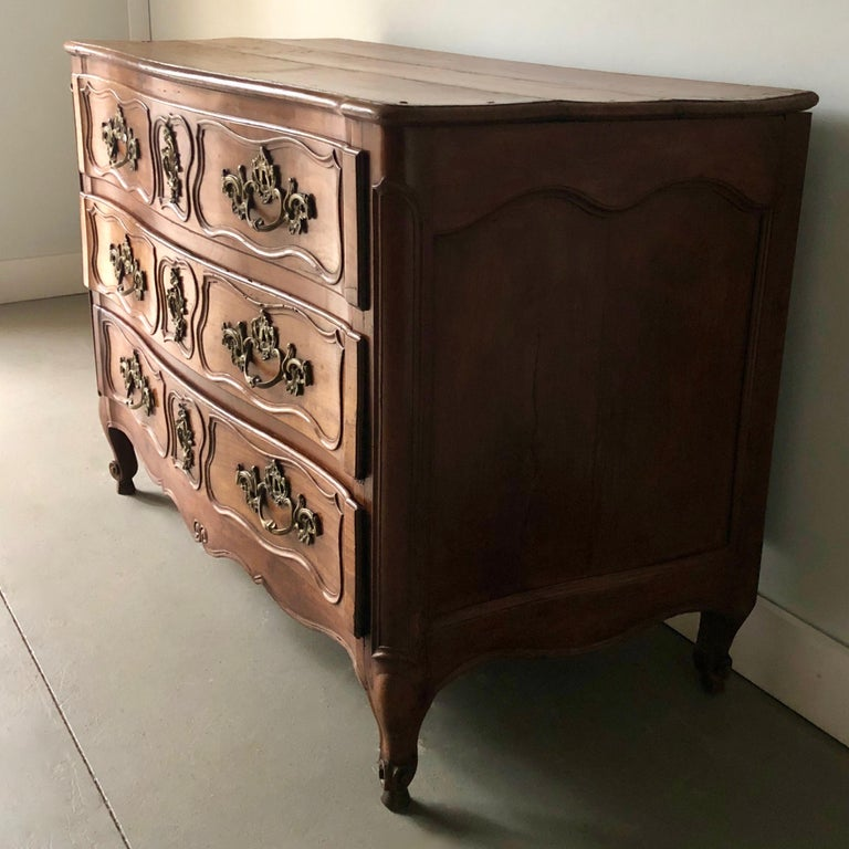 Hand-Carved 18th Century French Walnut Commode For Sale