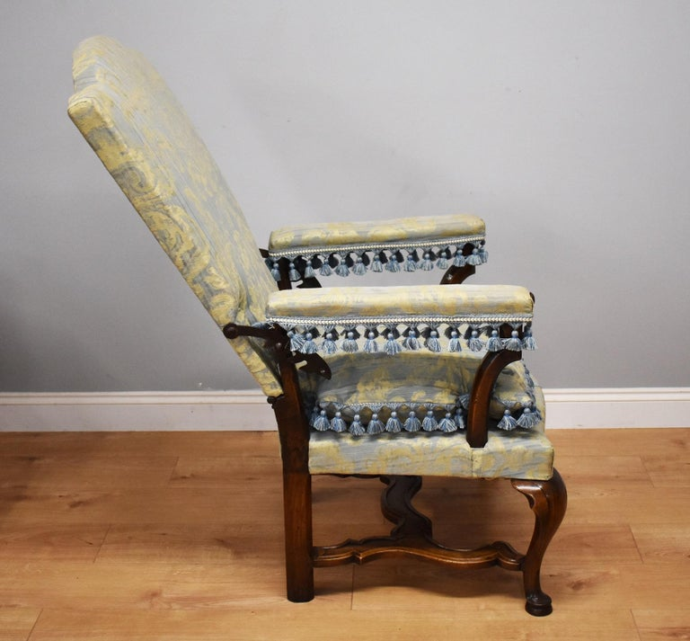 18th Century French Walnut Reclining Chair For Sale 1