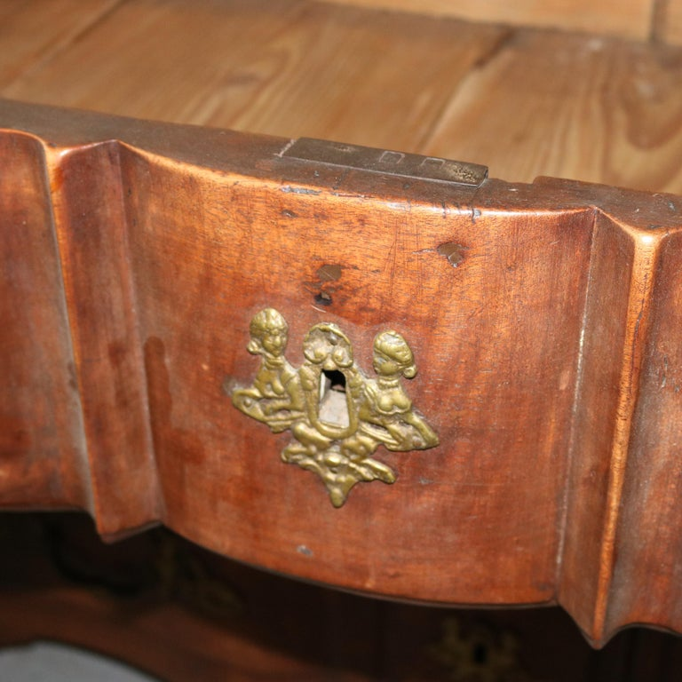 18th Century French Walnut Serpentine Commode with Figural Cherub Bronze Pulls For Sale 6