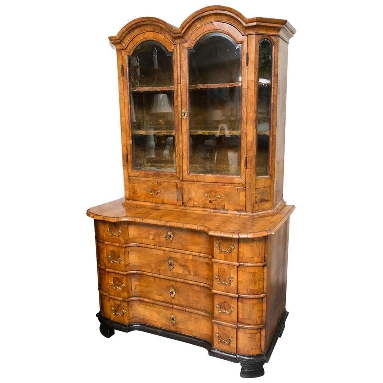 18th Century George I Burled Walnut Double-Dome Cabinet For Sale