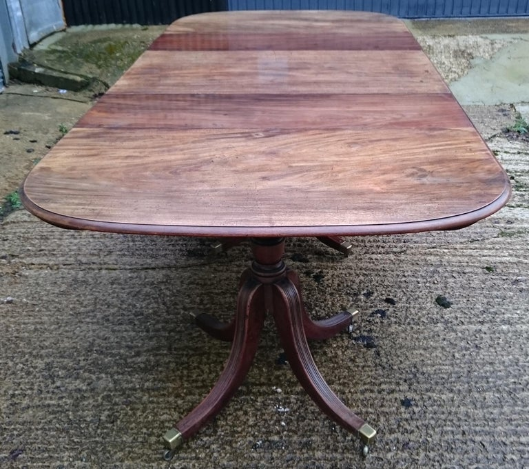 18th Century George III Period Mahogany Antique Dining Table For Sale 1