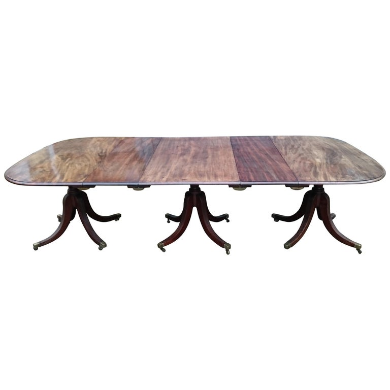 18th Century George III Period Mahogany Antique Dining Table For Sale