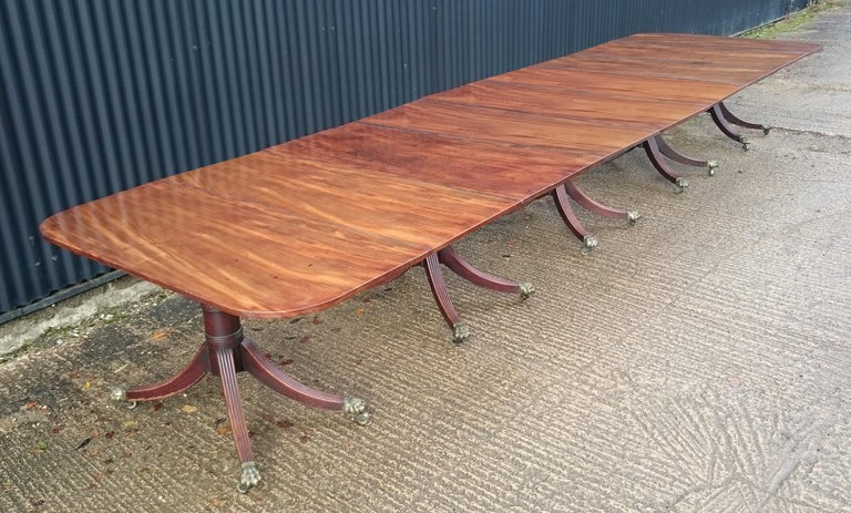 British 18th Century George III Period Mahogany Five Pedestal Dining Table For Sale