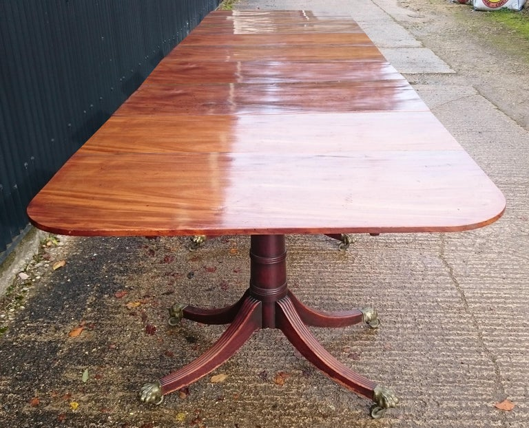 18th Century George III Period Mahogany Five Pedestal Dining Table In Good Condition For Sale In Gloucestershire, GB