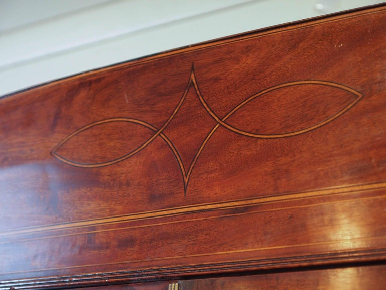 18th Century Georgian Mahogany and Satinwood Secretaire In Excellent Condition For Sale In New Orleans, LA