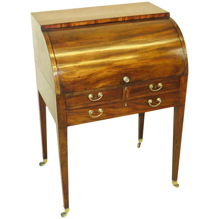 18th Century Georgian Mahogany Cylinder Desk For Sale