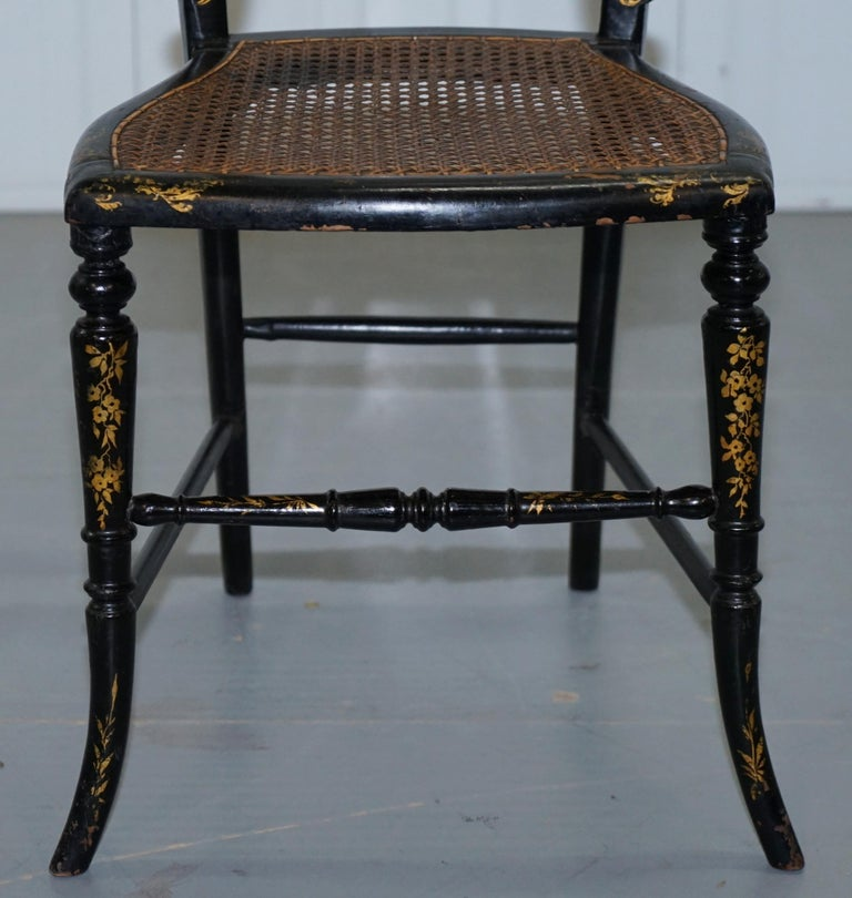 18th Century Georgian Rare Floral Hand Painted Chinoiserie Ebonised Chair For Sale 3