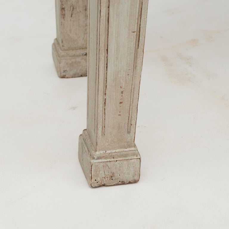 18th Century Gustavian 2-Door Cabinet with Beautiful Blue Color Inside For Sale 4