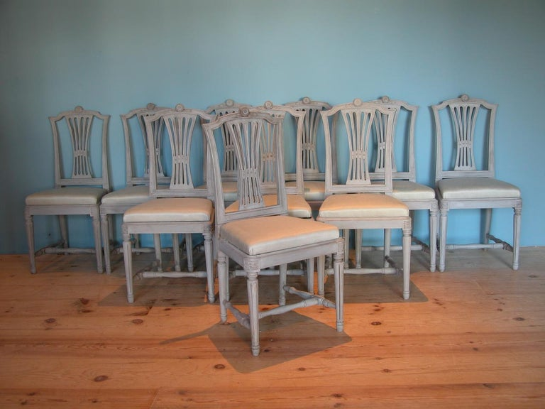 18th Century Gustavian Dining Chairs, Set of 10, Swedish, circa 1790 For Sale 11