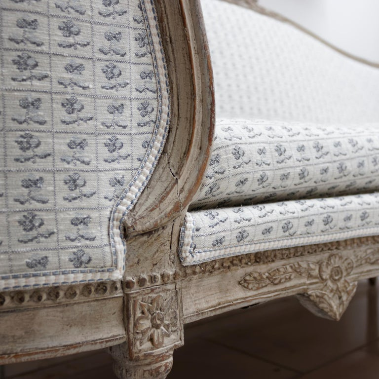 Carved 18th Century Gustavian Painted Sofa, Sweden, circa 1775 For Sale
