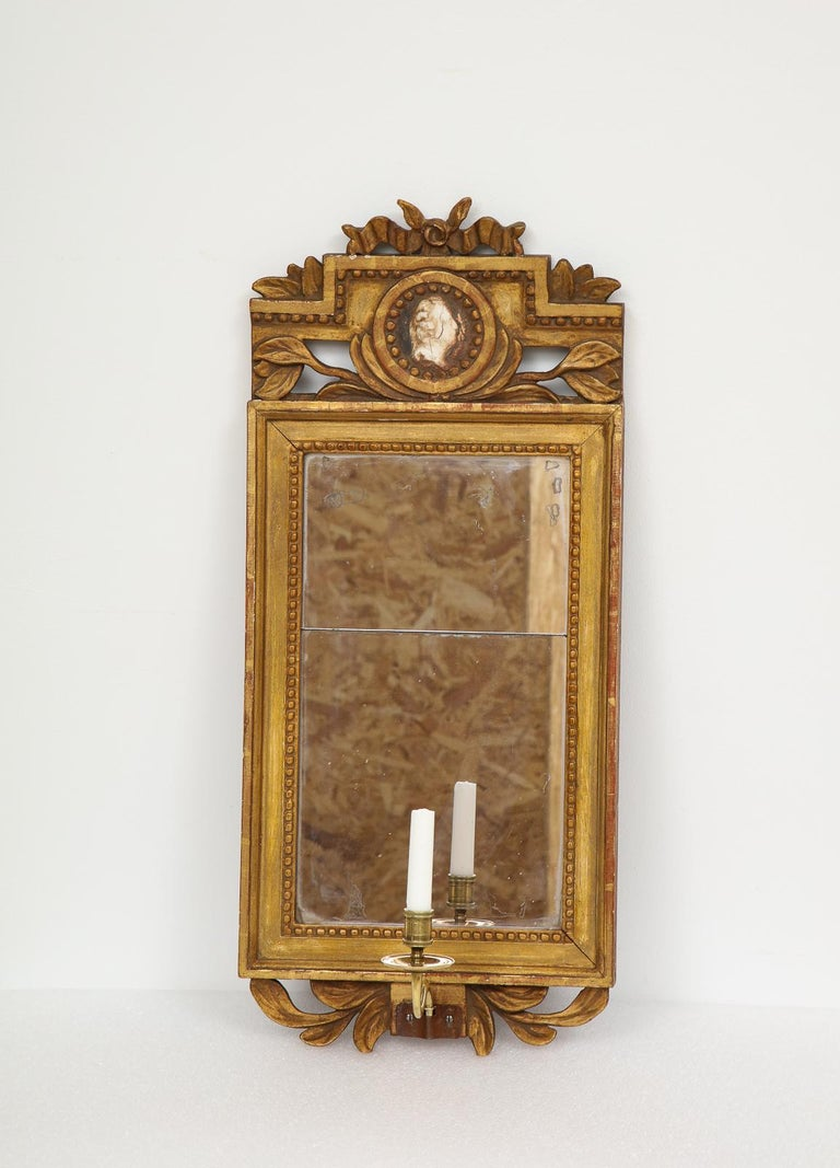 18th Century Gustavian Single Arm Candle Sconce Mirror Center Cameo, Swedish In Excellent Condition For Sale In New York, NY