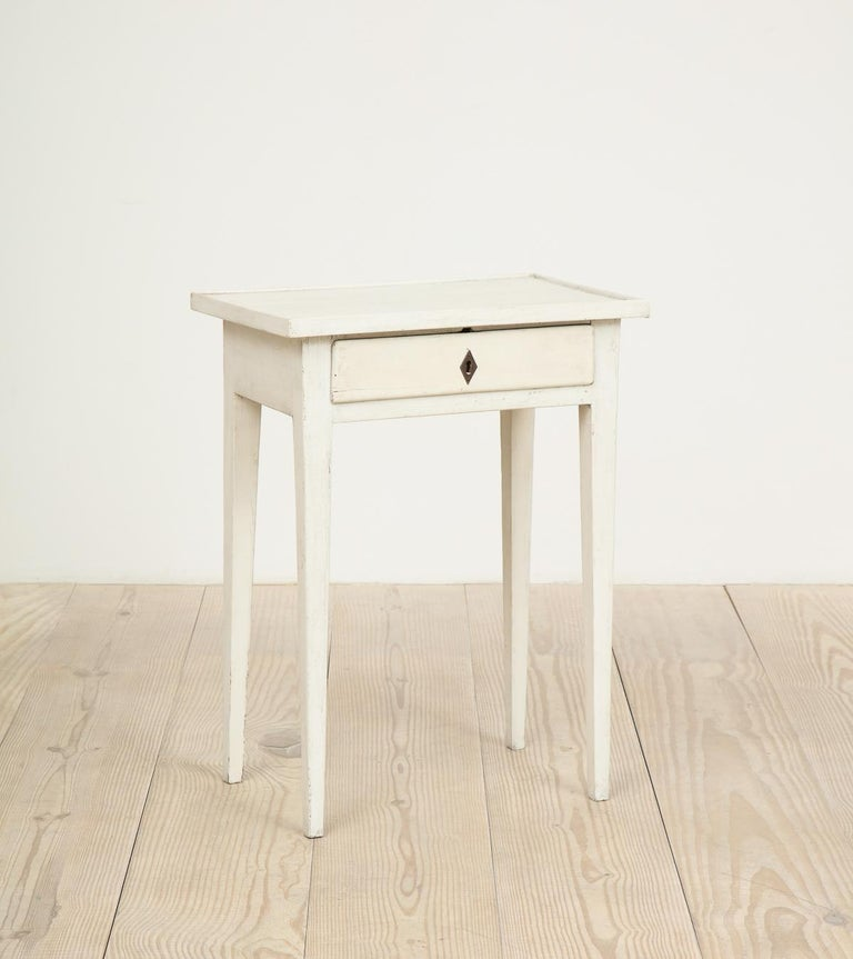 18th century, Swedish Gustavian table with center drawer, origin: Sweden; wonderful side table.