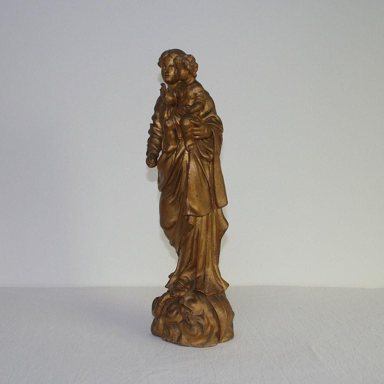 Hand-Carved 18th Century Italian Baroque Carved Wooden Madonna with Child For Sale