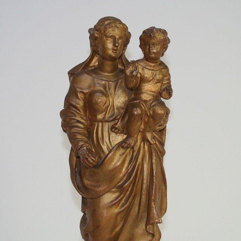 18th Century Italian Baroque Carved Wooden Madonna with Child For Sale 2