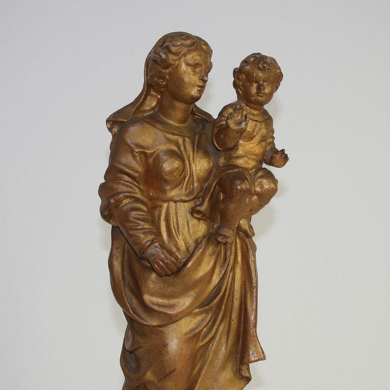 18th Century Italian Baroque Carved Wooden Madonna with Child For Sale 3