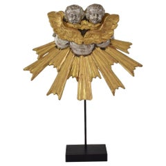 18th Century Italian Baroque Giltwood Ornament with Angels on Sunrays