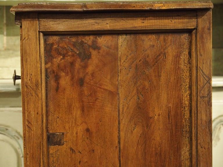 18th Century Italian Burl Walnut Chest of Drawers For Sale 5